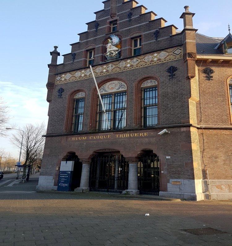 De koepel en Het oude gerechtsgebouw